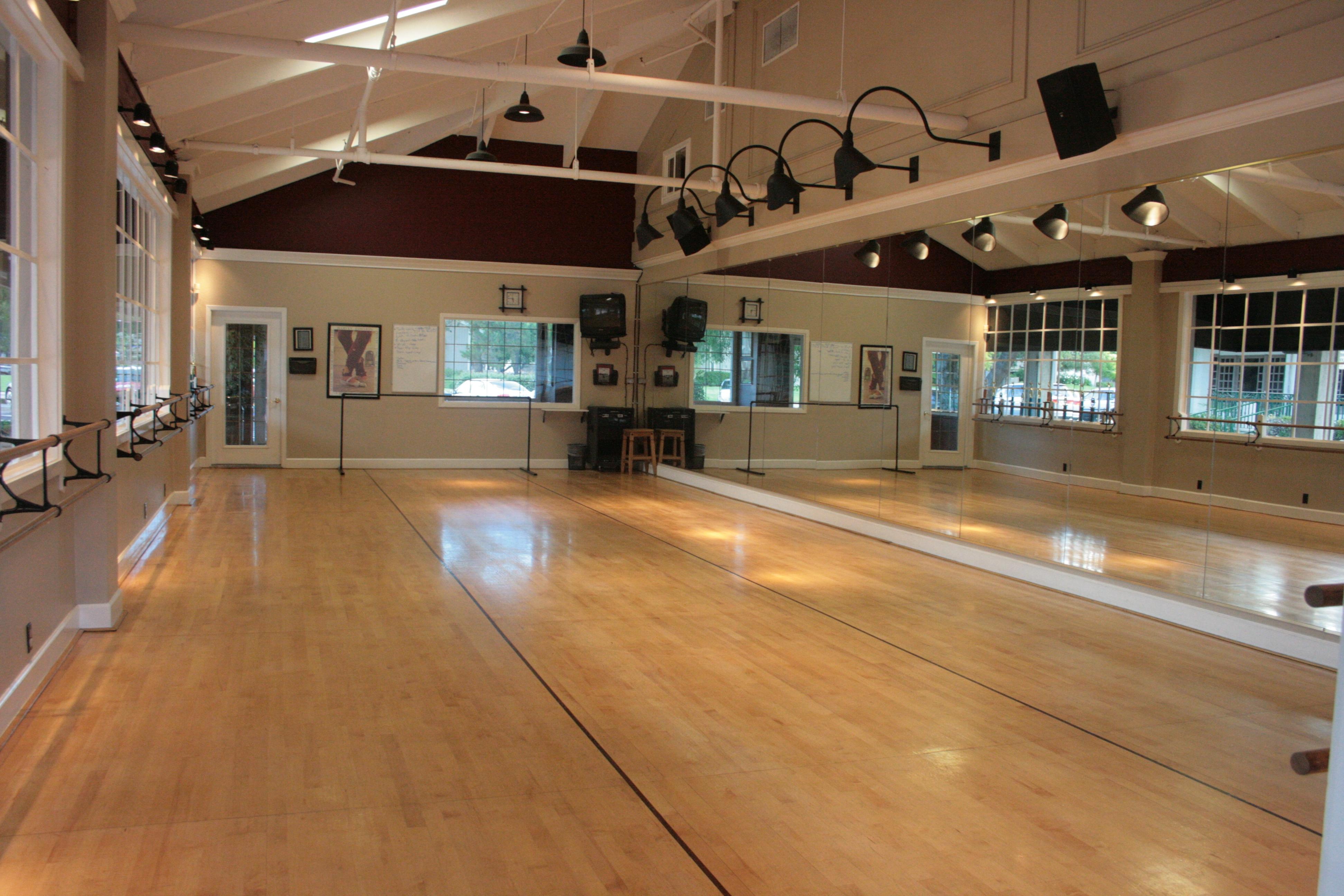 The Dance Studio A Community Inside A Community Dance Academy Usa